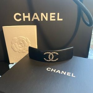 AUTHENTIC Chanel crystal classic CC hair clip